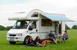 images/stories/slide-motorhome-lateral-1/family-motorhome-uk.jpg